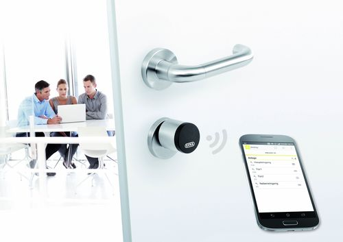 AirKey Zylinder Office / AirKey: your mobile phone is the key (PRNewsFoto/EVVA Sicherheitstechnologie GmbH)