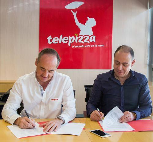 Pablo Juantegui, Consejero Delegado de Telepizza y Marcel Paul El Khoury Saade, representante del grupo ...