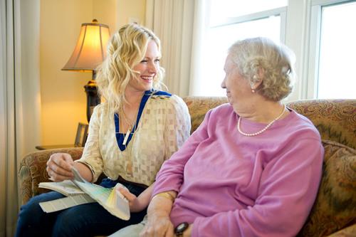 Sunrise Senior Living partners with HGTV's Emily Henderson to provide design tips for seniors.  (PRNewsFoto/Sunrise Senior Living)