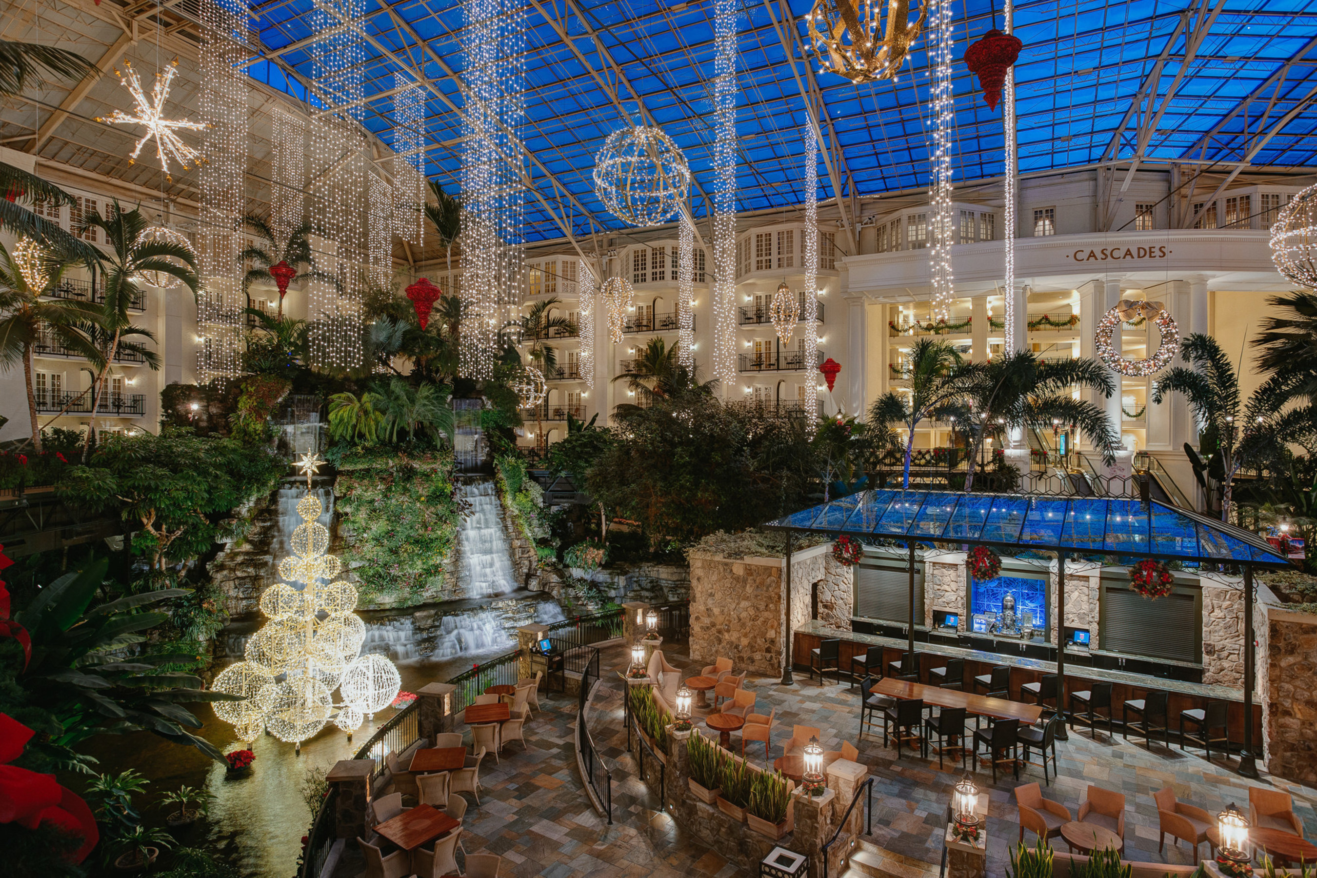 July heat means Christmas prep at Gaylord Hotels
