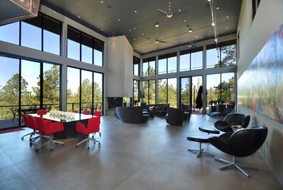 Concierge Auctions Successfully Sells Modern Flagstaff, AZ Estate ( www.conciergeauctions.com ) (PRNewsFoto/Concierge Auctions)