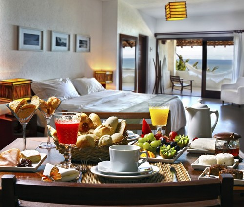 Tourists are choosing a more social way of traveling. A B&B offers the personal experience they are seeking. (PRNewsFoto/Bed & Breakfast Europe) (PRNewsFoto/Bed & Breakfast Europe)