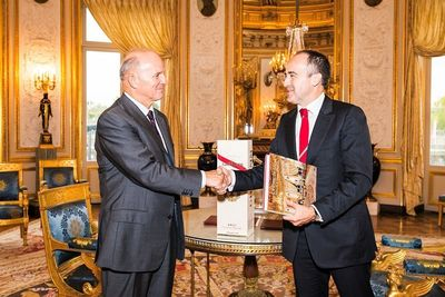 General Georgelin, Grand Chancelier de la Legion d'honneur and Philippe Guettat, Chairman & CEO for G.H.MUMM House of champagne