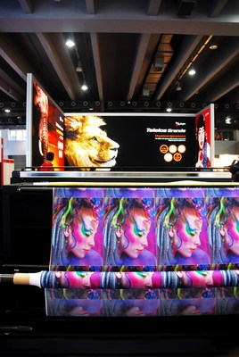 Products at SIGN CHINA 2014 (PRNewsFoto/UBM Trust)