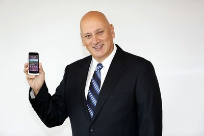 Turkey's First Domestic High-Tech Smart Phone, the Turkcell T40