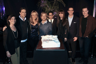 The cast of the hit comedy series Rules of Engagement celebrated their 100th episode and the recent cable syndication sale of the show to Turner's TBS.  Pictured from right to left are: Flory Bramnick, Executive Vice President, U.S. Cable Sales, Sony Pictures Television, Oliver Hudson, Megyn Price, David Spade, Adhir Kalyan, Bianca Kajlich, John Weiser, President, U.S. Distribution, Sony Pictures Television and Patrick Warburton.  (PRNewsFoto/Sony Pictures Television)