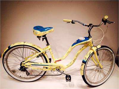 Schwinn Hollywood Cruiser Signed by Stars of the Sundance Film Festival is Auctioned on Ebay to Benefit MS Society.  (PRNewsFoto/Schwinn)