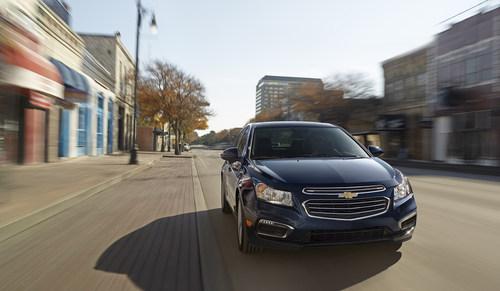 2015 Chevrolet Cruze (PRNewsFoto/General Motors)