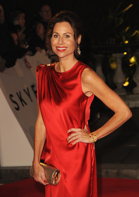 Minnie Driver wears 18ct yellow gold and round white diamond earrings totalling 12.30cts, coupled with 18ct yellow gold fancy-cut quartz and tourmaline cuff bracelet with micro-set white diamonds. All by DAVID MORRIS www.davidmorris.com.  (PRNewsFoto/David Morris)