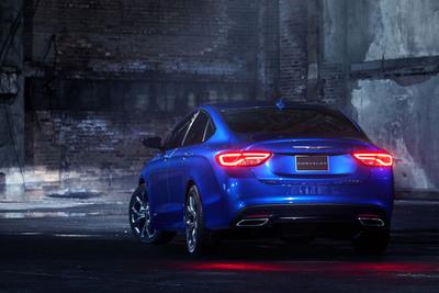2015 Chrysler 200S. (PRNewsFoto/Chrysler Group LLC) (PRNewsFoto/CHRYSLER GROUP LLC)