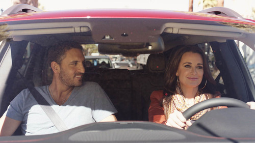 """The Jeep brand launches the """"Cherokee Effect"""" with Bravo's Kyle Richards in partnership with ..."""
