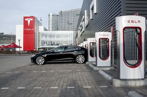 Amsterdam Zuid Oost Supercharger (PRNewsFoto/Tesla Motors Inc)