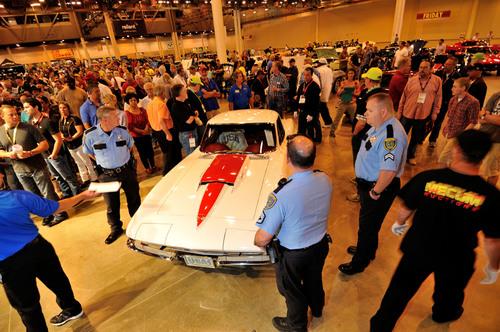 1967 Chevrolet Corvette Coupe (Lot S128) sold for $725,000 at Mecum Houston Auction 2014. (PRNewsFoto/Mecum Auctions) (PRNewsFoto/Mecum Auctions)