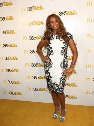 "NEW ORLEANS - (July 7, 2013) -- Supermodel Beverly Johnson -- and 2013 McDonald's(R)  365Black(R)  Award honoree – walks the ""golden"" carpet honoree prior to the start of the 10th annual McDonald's(R)  365Black(R)  Awards ceremony at the New Orleans Theater on July 6. The McDonald's 365Black Awards are given annually to salute outstanding individuals who are committed to making positive contributions that strengthen the African-American community.  (PRNewsFoto/McDonald's USA, LLC)"