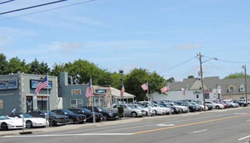 Intersection: Montauk Hwy & Hawkins Blvd.  (PRNewsFoto/Long Island Exchange Inc.)