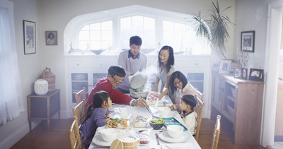 TYLENOL(R) recreates Norman Rockwell's iconic painting Freedom from Want  in the For What Matters Most(TM) film to help illustrate how modern families come together to celebrate what matters most during the holidays.