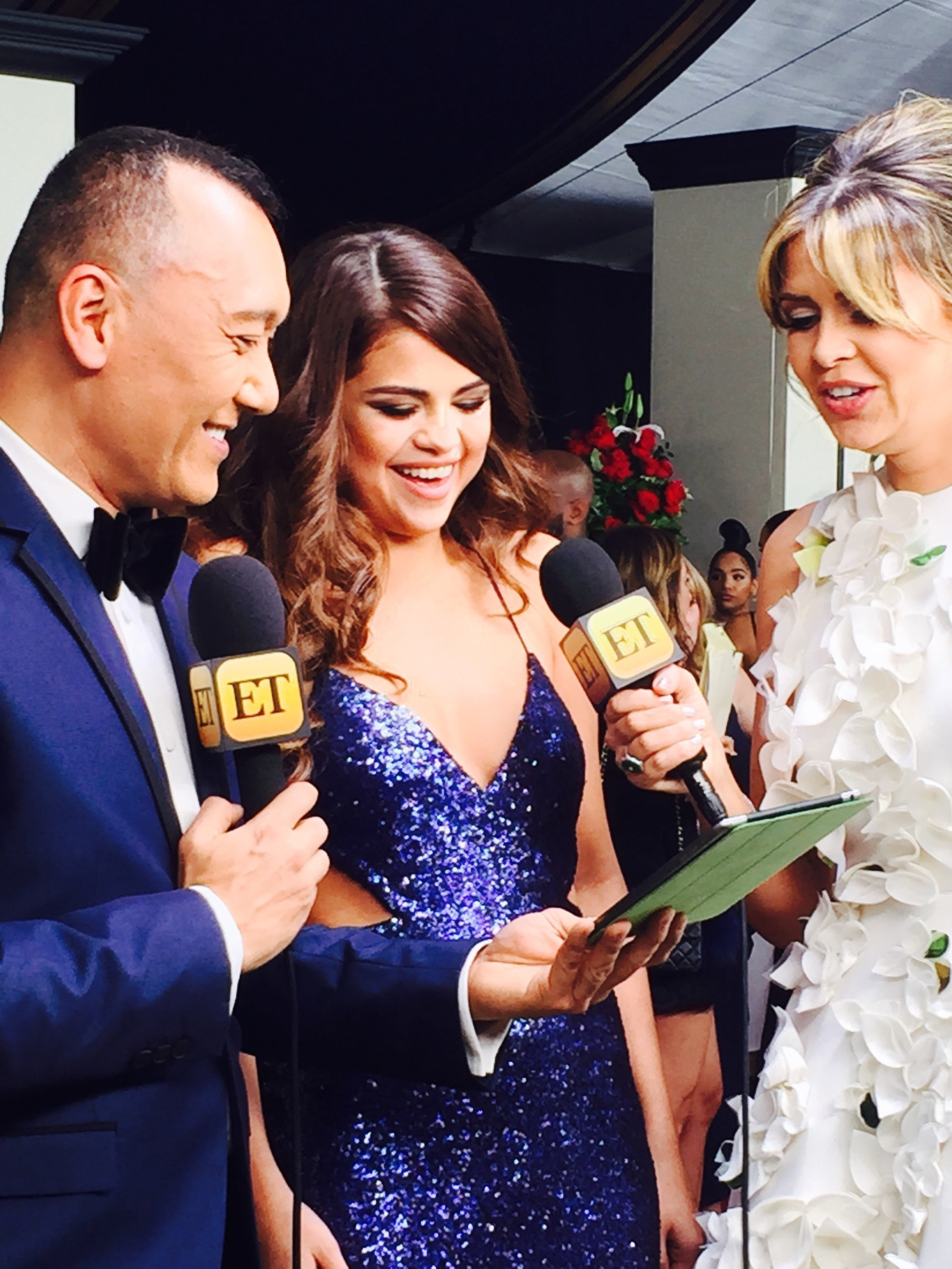 Live from the 58th Annual Grammy's, Entertainment Tonight host, Carly Steel and fashion expert, Joe Zee caught up with singer and actress, Selena Gomez. ET utilized LiveU technology to capture all of the red carpet activities at the Staples Center in Los Angeles.