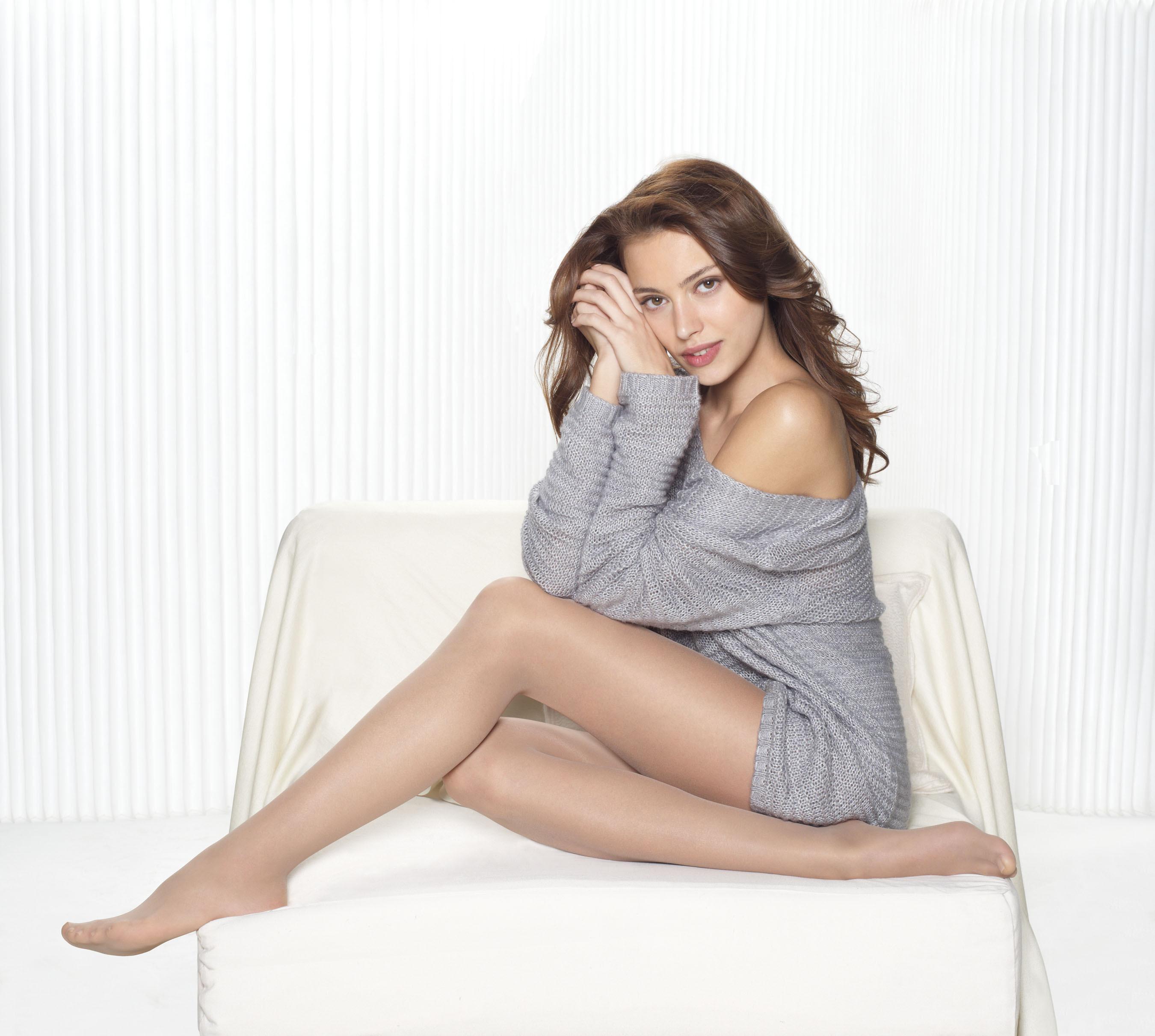 Hanes Silk Reflections introduces Pure Bliss legwear for Fall '13. (PRNewsFoto/Hanes Hosiery) (PRNewsFoto/HANES HOSIERY)