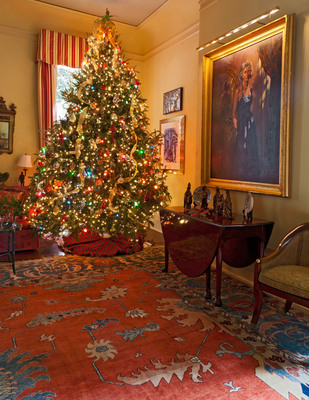 The interior of a palatial Garden District home decorated for Christmas was featured in the 2011 tour.  Six historic Garden District homes will be featured on the 2012 tour.  (PRNewsFoto/Preservation Resource Center)