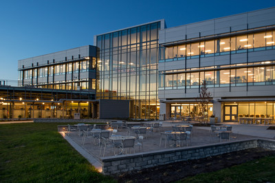 As part of IDEXX Laboratories' commitment to sustainability, spaces are designed to maximize natural resources. The glass facade takes full advantage of warmth, day lighting, and scenic views to each side of the building.
