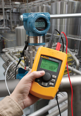 The Fluke 709H Precision Current Loop Calibrator with HART Communications is an affordable, easy-to-use tool with a user-friendly interface and HART capabilities that reduces the time it takes to measure or source, voltage or current, and power up a loop. With its best-in-class accuracy at 0.01 percent reading, the Fluke 709H is ideal for process technicians who need a precise loop calibrator and powerful HART communicator in one compact, rugged, reliable tool.  (PRNewsFoto/Fluke Corporation)