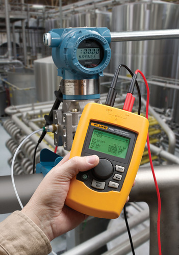 Fluke 709H Precision Current Loop Calibrator delivers the power of HART communications in a compact