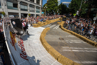 Team MJ and the Blackfish use the hashtag #SoOrca, and soar into second place at Red Bull Soapbox Race Seattle. (photo credit: Garth Milan/Red Bull Content Pool)