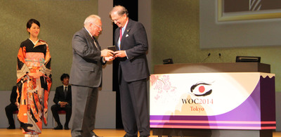 Richard L. Abbott, M.D., secretary for Global Alliances for the American Academy of Ophthalmology today received the 2014 International Duke Elder Medal at the opening ceremony of the World Ophthalmology Conference in Tokyo.  (PRNewsFoto/American Academy of Ophthalmology)