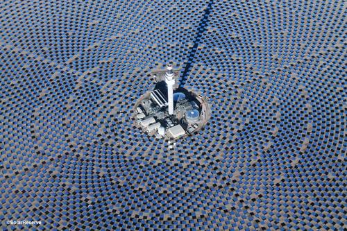 SolarReserve's 110 MW Crescent Dunes Solar Energy Plant located near Tonopah, Nevada. (PRNewsFoto/SolarReserve) (PRNewsFoto/SOLARRESERVE)