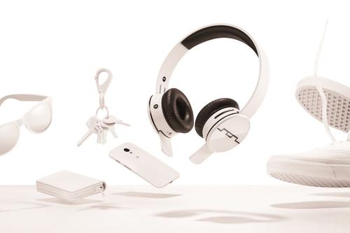 SOL REPUBLIC x Motorola Tracks AIR Wireless Headphones.  (PRNewsFoto/SOL REPUBLIC)