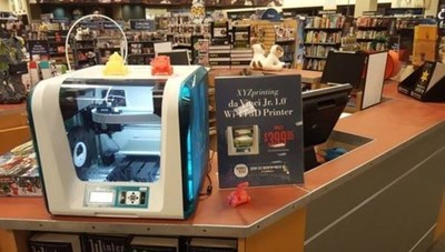 Barnes & Noble stores host 3D printing demos and workshops featuring XYZprinting's da Vinci Jr. 1.0 WiFi 3D Printers at Mini Maker Faire Nov. 5-6.
