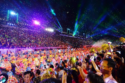 Chinese New Year Parade in Singapore 2015