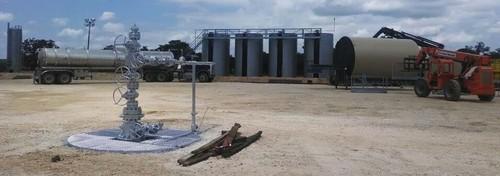 Silver Tusk Willard Unit 1H Wellhead and Installation of Oil Storage Tank #5 (PRNewsFoto/Silver Tusk Oil Company, LLC)