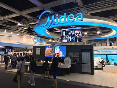 Midea's booth at IFA 2016 displays the latest of Midea's product portfolio, providing an opportunity for visitors to have a first-hand experience of the surprisingly friendly products.