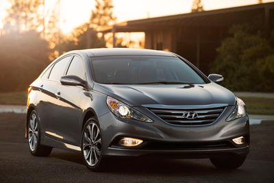 MAJOR UPDATE FOR 2014 HYUNDAI SONATA DELIVERS NEW LEVELS OF REFINEMENT, SAFETY AND TECHNOLOGY. (PRNewsFoto/Hyundai Motor America) (PRNewsFoto/HYUNDAI MOTOR AMERICA)