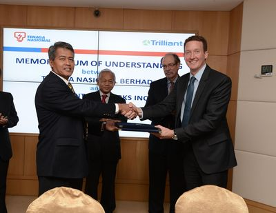 TNB Trilliant MOU Signing (left to right: Datuk Seri Ir. Azman Bin Mohd (President and CEO of TNB), Tan Sri Leo Moggie (Chairman of TNB), James Steele (Senior Advisor, Economic Policy, East Asia Pacific, U.S. Department of State) and Bryan Spear (Asia Pacific Managing Director, Trilliant)