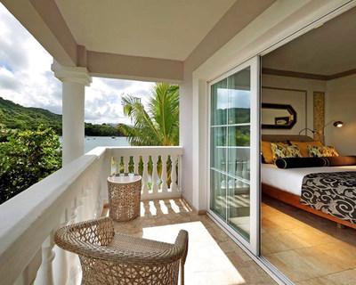 Grand Palladium Lady Hamilton Resort & Spa - Bedroom