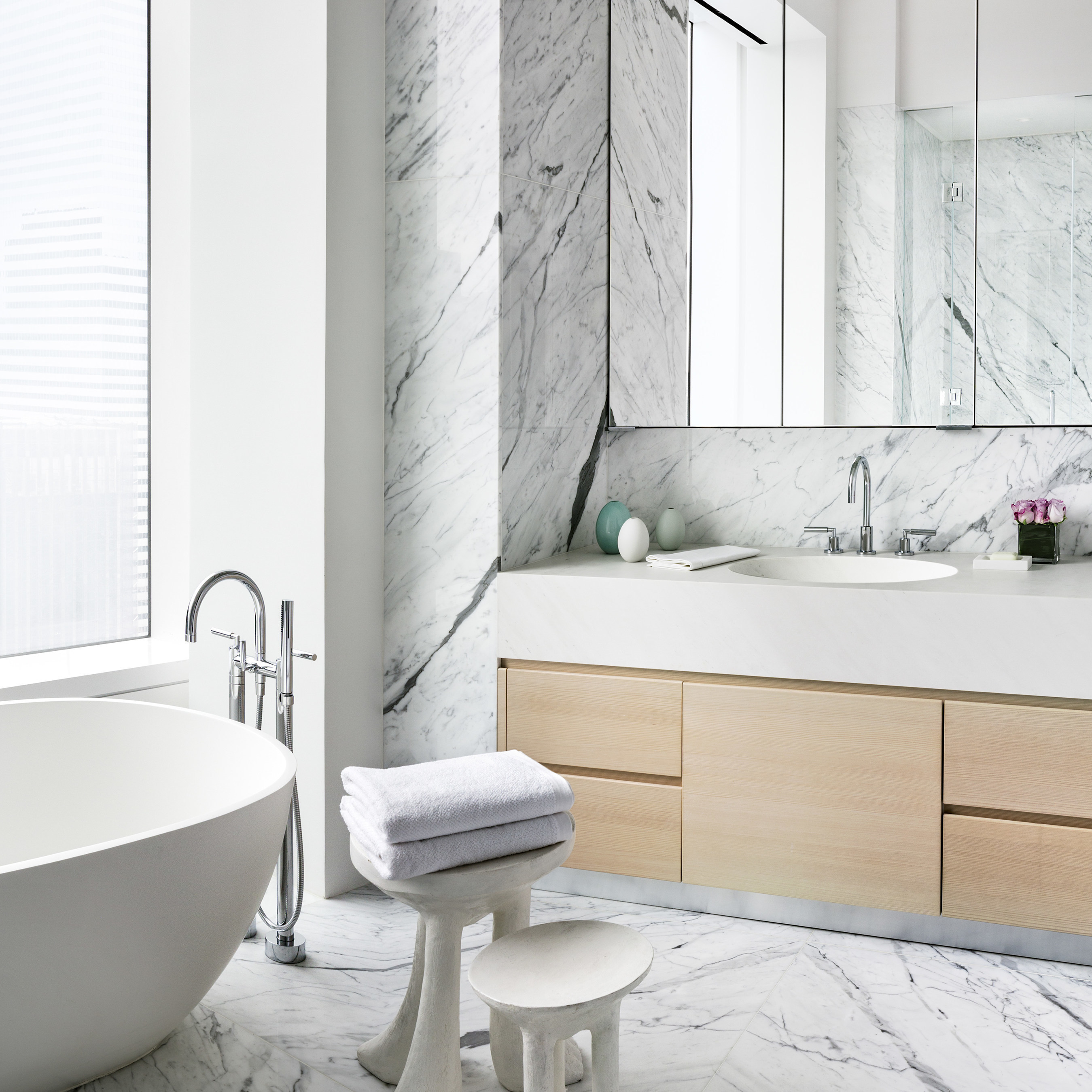 Bathroom in the model residence at 432 Park Avenue. Photo by Scott Frances for CIM Group & Macklowe Properties.