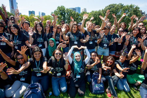 UNAOC - EF Summer School participants enjoy a day exploring New York City with a picnic lunch in Central Park.  (PRNewsFoto/EF Education First)