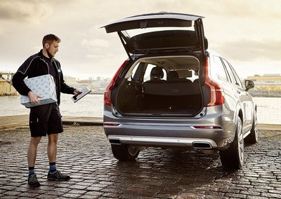 Volvo In-car Delivery, world's first commercially available in-car delivery service by use of digital key (PRNewsFoto/Volvo Car Group)