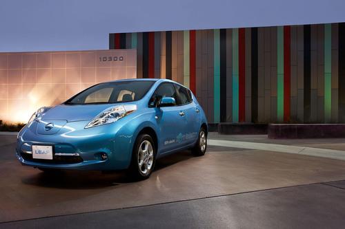 Nissan LEAF: 100% electric, zero emissions.  (PRNewsFoto/Nissan North America)