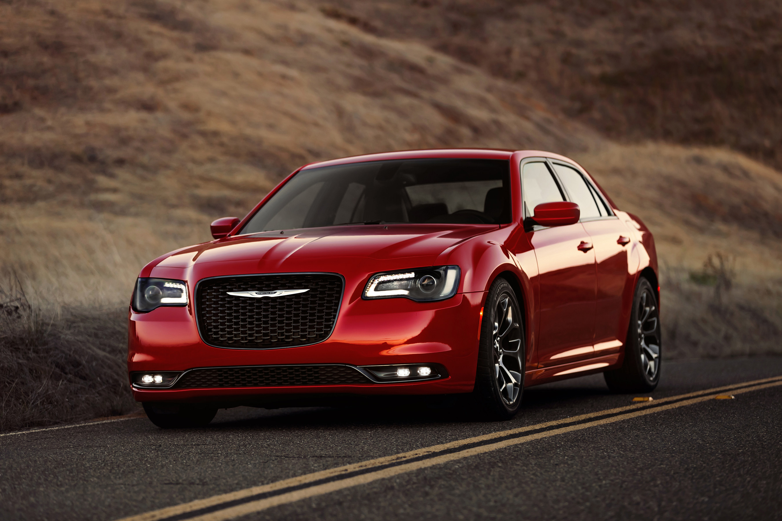 Chrysler C300: American business sedan and its technical specifications