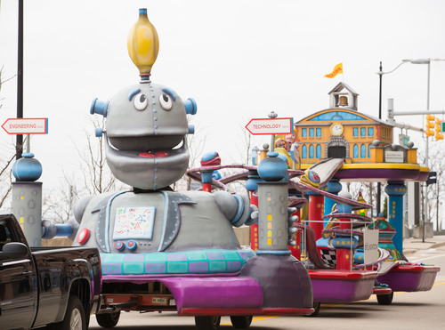The GM Foundation-sponsored float will debut during America's Thanksgiving Day Parade in Detroit on Thanksgiving Day.  The float showcases the Foundation's commitment to education and investing in America's youth - the next generation of innovators.  (PRNewsFoto/General Motors Foundation)