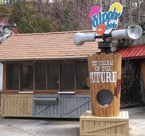 The original beaded ice cream is back. Dippin' Dots return to Dollywood. (PRNewsFoto/Dippin' Dots) ...