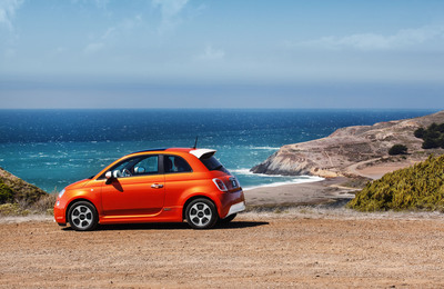 """Celebrity Fiat 500e """"Into the Green"""" Charity Auction Kicks off on October 12. (PRNewsFoto/Chrysler Group LLC) (PRNewsFoto/CHRYSLER GROUP LLC)"""