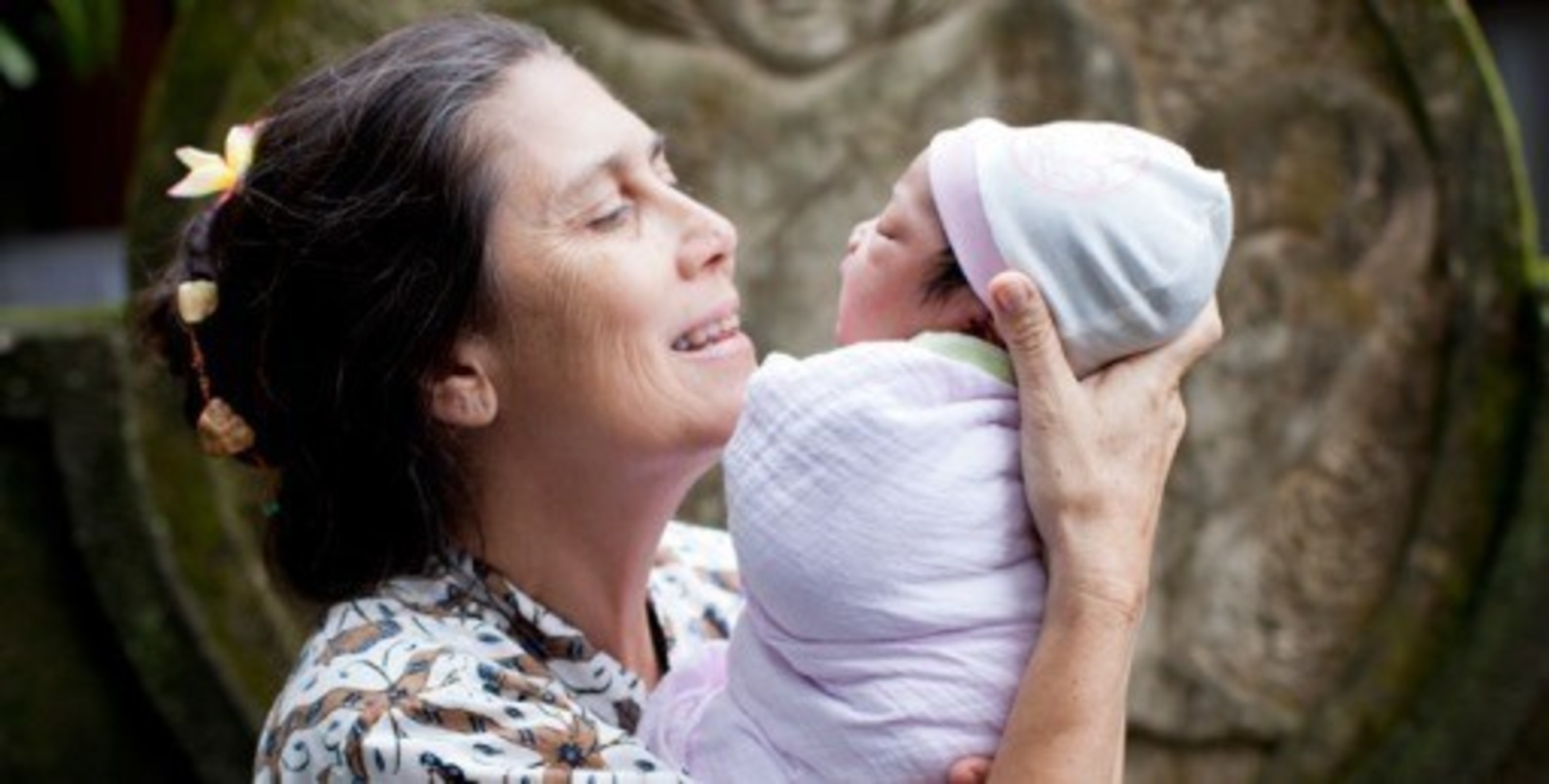 Hyperbiotics and Bumi Sehat, a powerful partnership pioneers free, gentle births for over 400 women in need