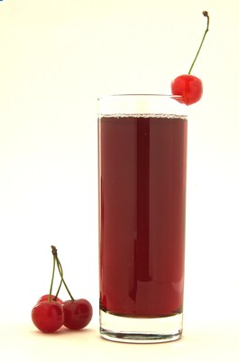 TART CHERRY JUICE REDUCED POST-RACE RESPIRATORY TRACT SYMPTOMS AFTER A MARATHON