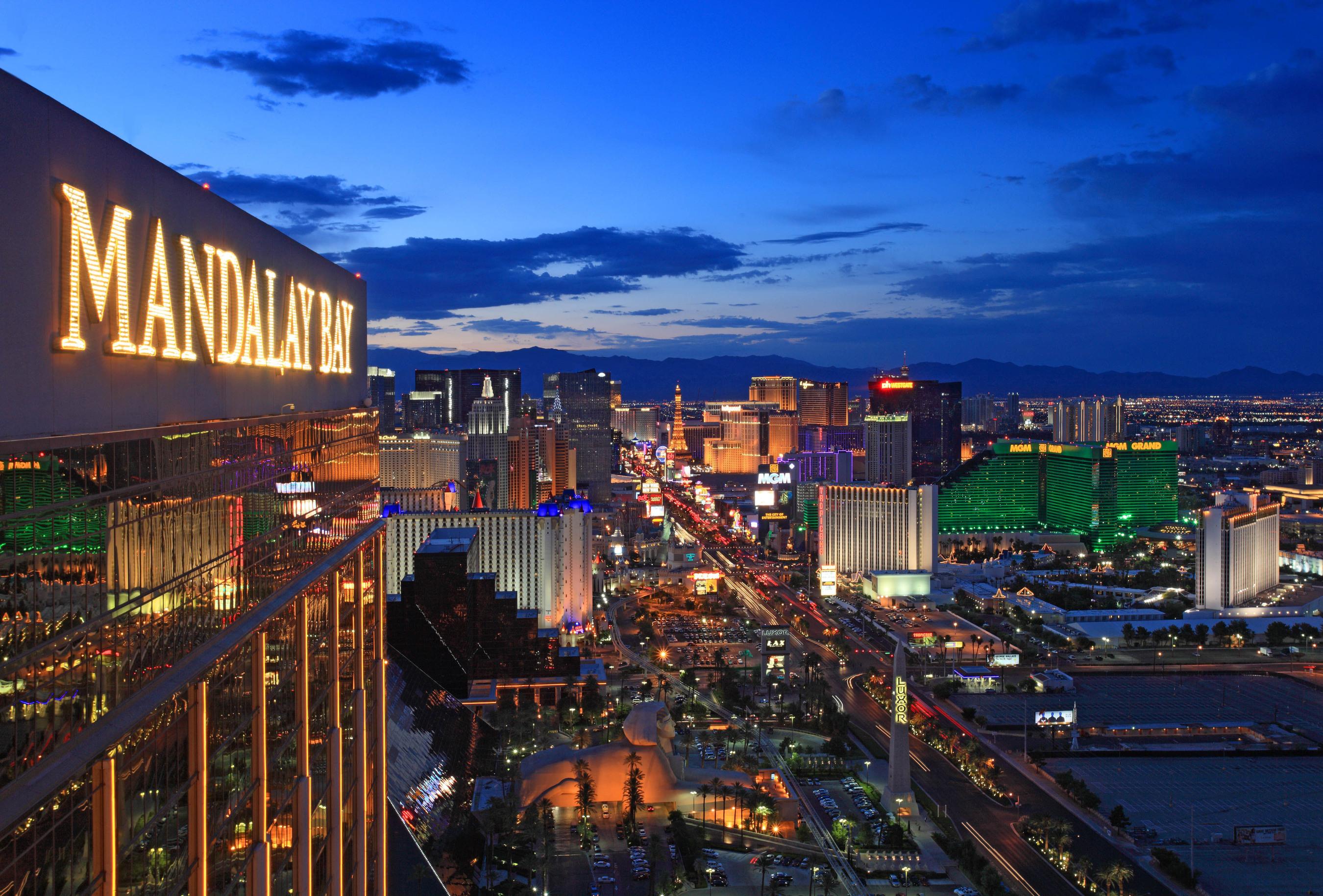 Celebrate New Year's Eve in Las Vegas at MGM Resorts.  (PRNewsFoto/MGM Resorts International)