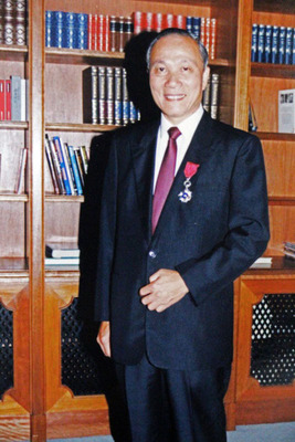 Leung Sik Wah with his Silver Bauhinia Star (2009).  (PRNewsFoto/UBM Asia Ltd)