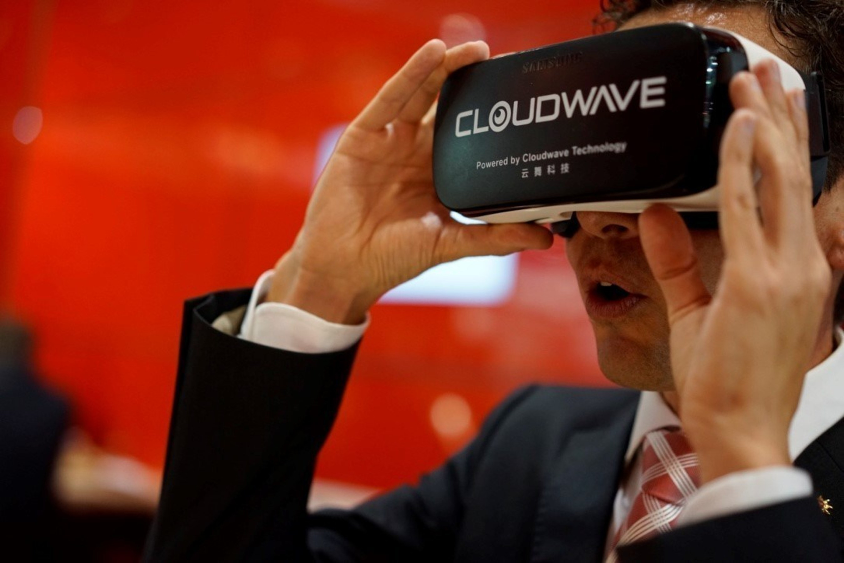 Swiss Asia Pacific Marketing Director is experiencing Cloudwave VR contents